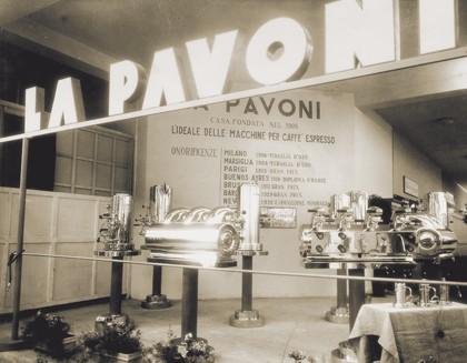 1948 - Revoluční horizontální kávovar